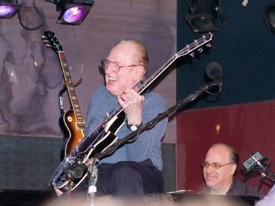 Les Paul feiert 94. Geburtstag