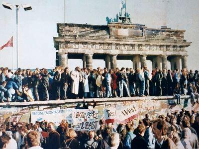 Mauerfall als Karneval