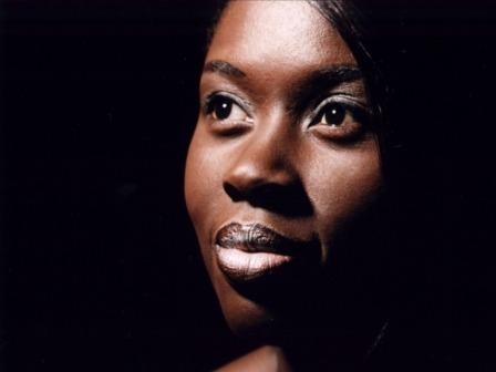 Aida Khann – Chanson zwischen Jazz, Soul und Afrika