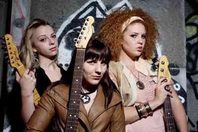 Blues Caravan 2011: Girls with Guitars