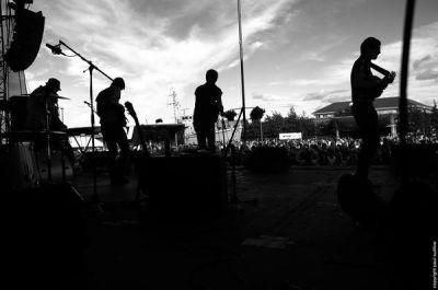 Young Rebel Set: Debüt für Anfang 2011 geplant