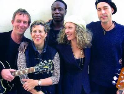 Kat Baloun & Nina T. Davis – Live At Yorkschlösschen