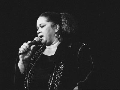 Etta James, Jürgen Landt und die Blues-Alben 2011 – Themen für die zweite Ausgabe unseres pdf-Magazins