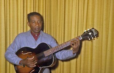 Lonnie Johnson, Eddie Lang und Die Anfänge des Blues-Gitarren-Solos