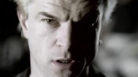 "Die Toten Hosen // ""Pushed Again"" [Offizielles Muiskvideo]"