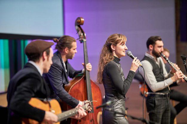 18.12.2019 Jamsession beginn 20:00 Uhr Bach-Str. 17 17489 Greifswald
